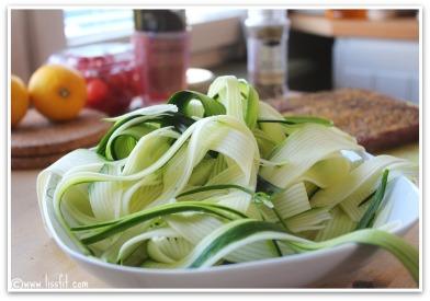 zucchini spaghetti ala italia lissfit