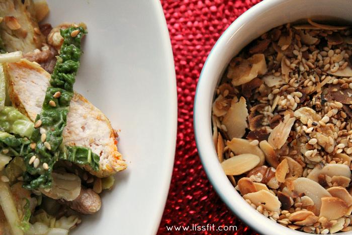 savoy cole slaw kyckling avokado granola nuts ala lissfit