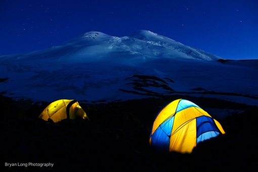 mt ELBRUS BY NIGHT