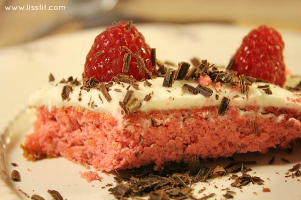 Baka nyttigare: Rosaröd Valentine's-tårta med krämostlight