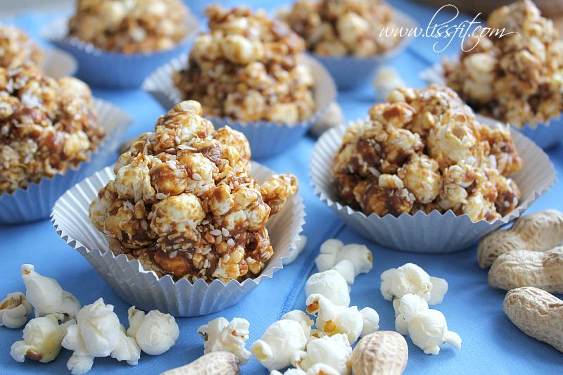 Nyttigare kalasgodis: Popcorn-bollar med jordnötssmör ochkokos