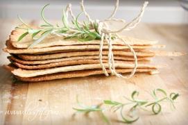Proteinrika rosmarin kex på mandelmjöl