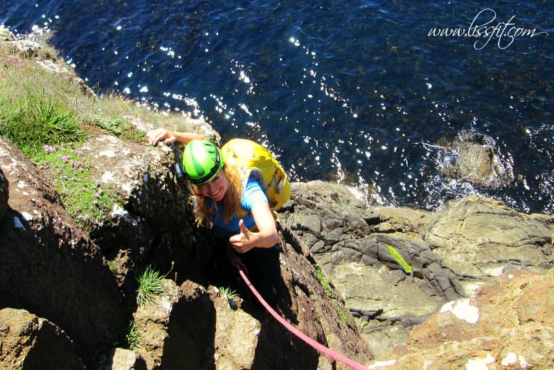 Klippklättring vid Ramore Head,Irland