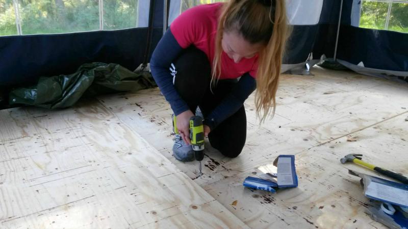 lägger förtält golv liss