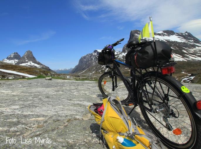 Bike hike cykeltur Åndalsnes Rauma Romsdal foto Liss Myrås