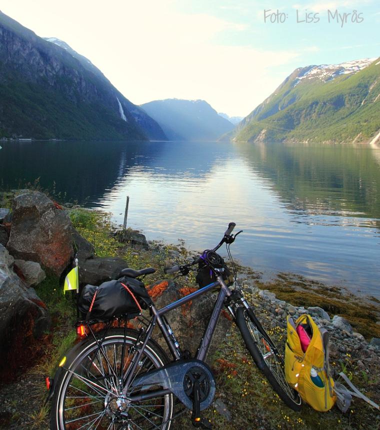Tafjorden Heggurdtunellen sykkeltur norwegian fjords foto liss myrås
