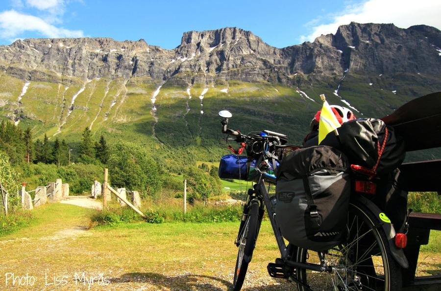 Norway Skorene Norddal mountain ridge foto Liss Myrås