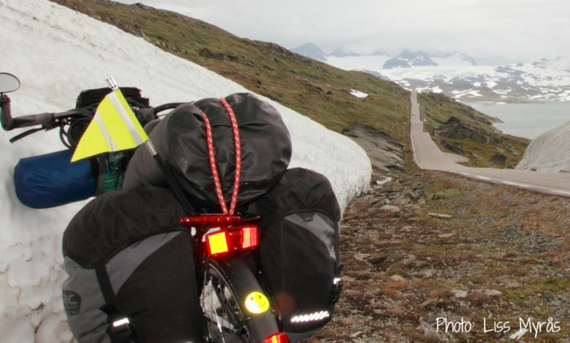 Norway bike trip travel adventure sognefjellet mountain photo liss myraas