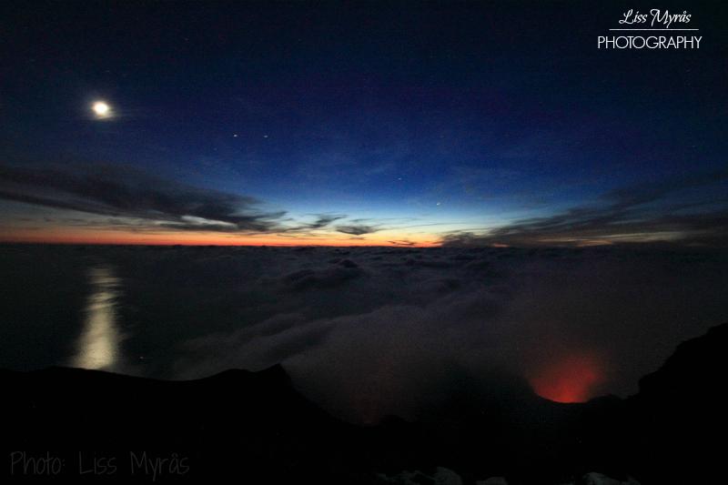 stromboli-nature-moonlight-sunset-vulcano-night-landscape-photo-liss-myraas