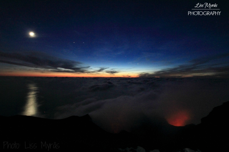 stromboli-nature-moonlight-sunset-vulcano-night-landscape-photo-liss-myraas