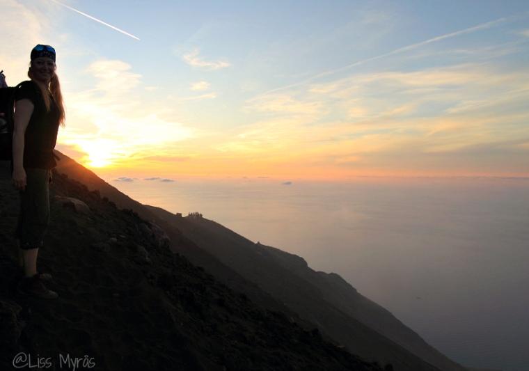 stromboli sunset vulcano landscape hike liss
