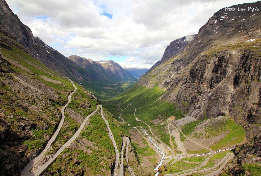 Trollstigen cycle climb
