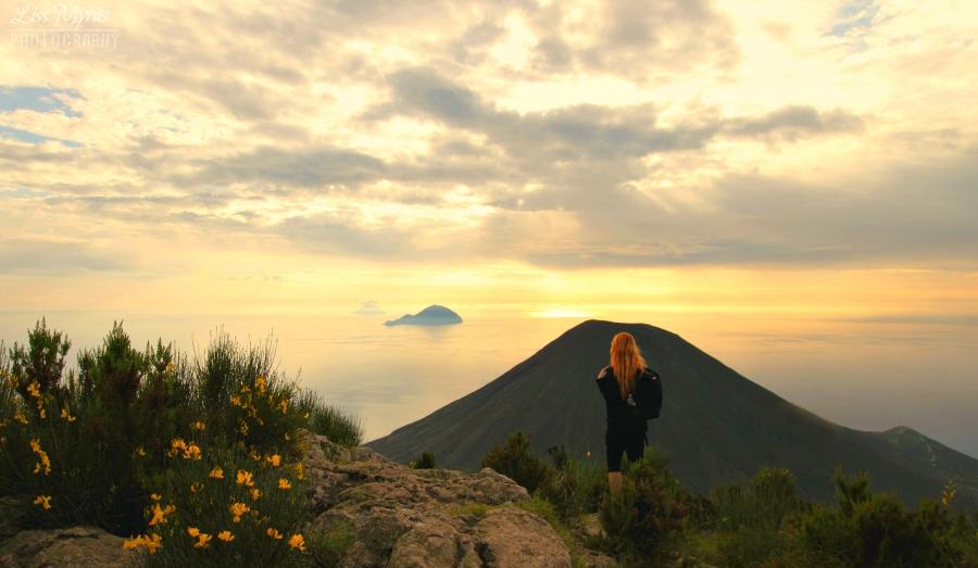 Salina volcano hike