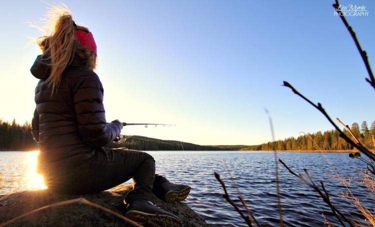 outdoor fishing lillsjön lake fiske ifiske natur landskap sverige sweden friluftsliv