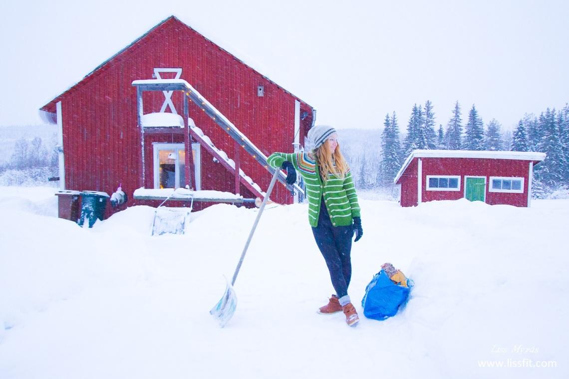 winter wonderland sweden ornskoldsvik snowing shovel hardwork cardio outdoor life