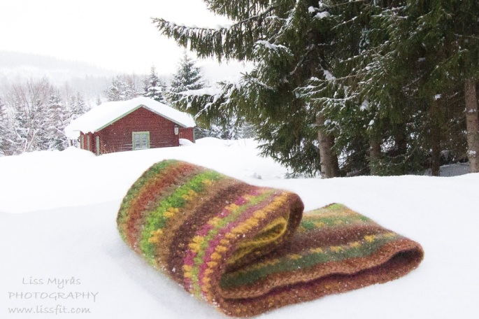 crochet intifiny scarf cowl earth dye wool hekling virkat handmade needlework