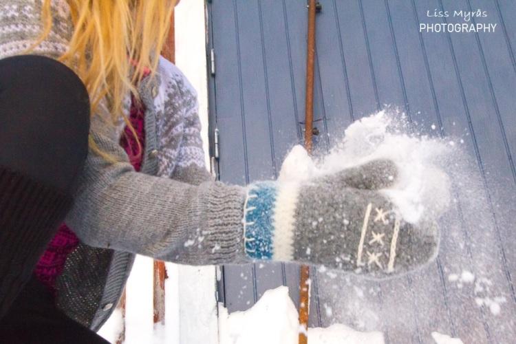crochet mittens votter hanskar ull cleaning wool handmade snow marius kofte norwegian tradition