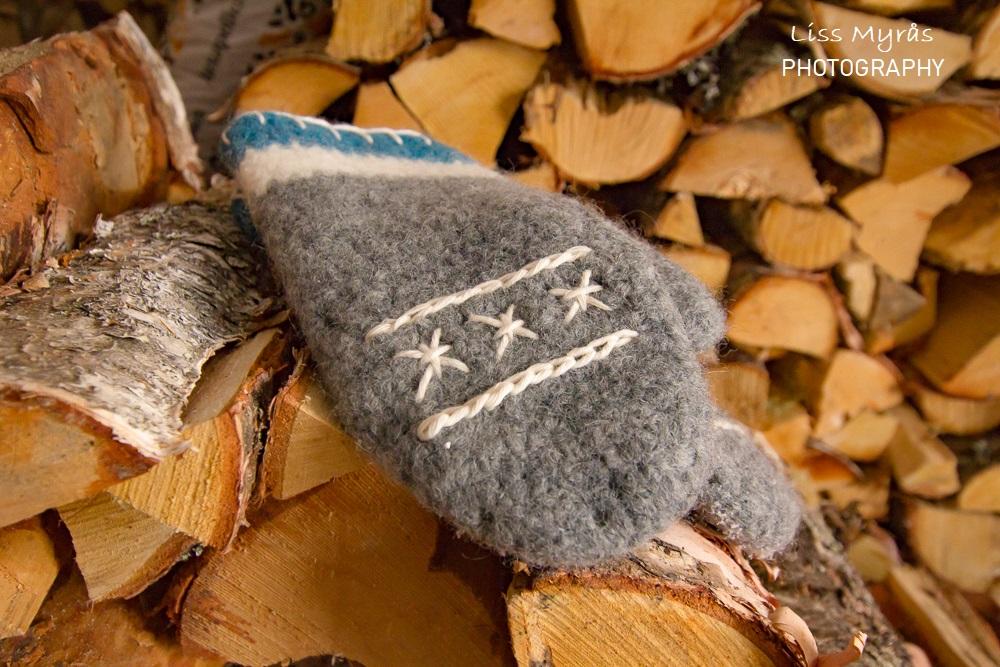 crochet mittens votter hanskar ull woollen handmade firewood cotton