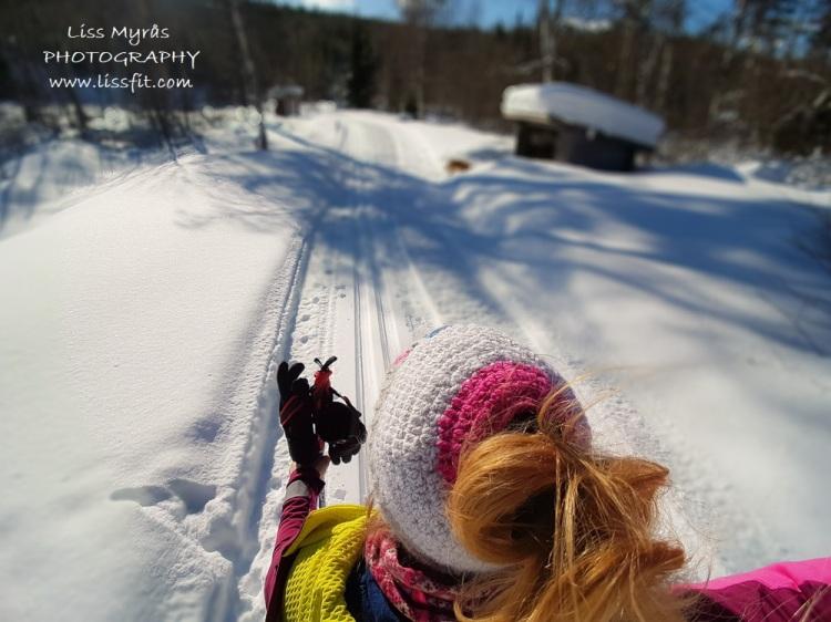 fleece lined messy bun beanie lcap crochet winter sport