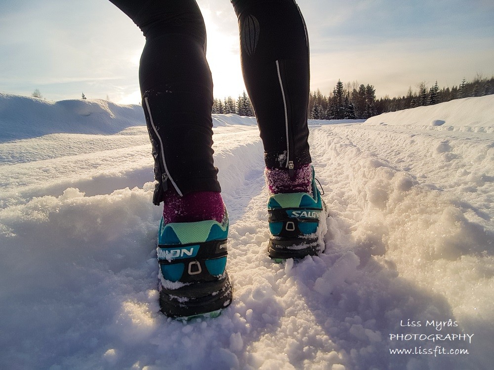 winter run fluffy snow lapphund winderwonderland trail shoes runner cardio workout