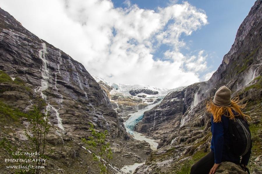 Kjenndalsbreen blue ice glacier