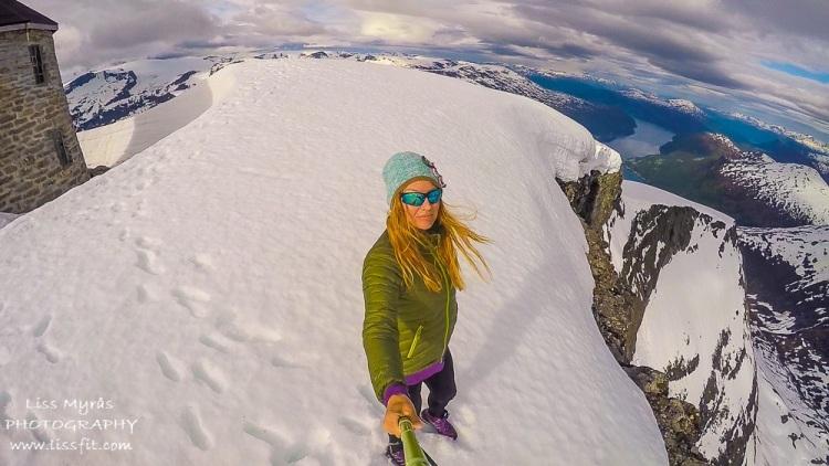 topptur summit hike skala stryn skålatårnet fjord mountain norway travel landscape view on the edge