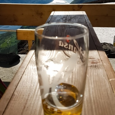 An lovely ice cold reward after ca 1000 meters climb up to Hoven bar and skylift - the panoramic view is smashing!