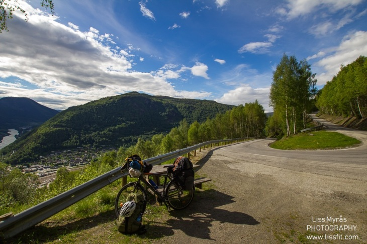 otta uphill serpentine road bicycle trip travel rondane national park
