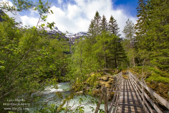 Hiking through Sunndalen valley towards Sunndalssetra with lots of beautiful views