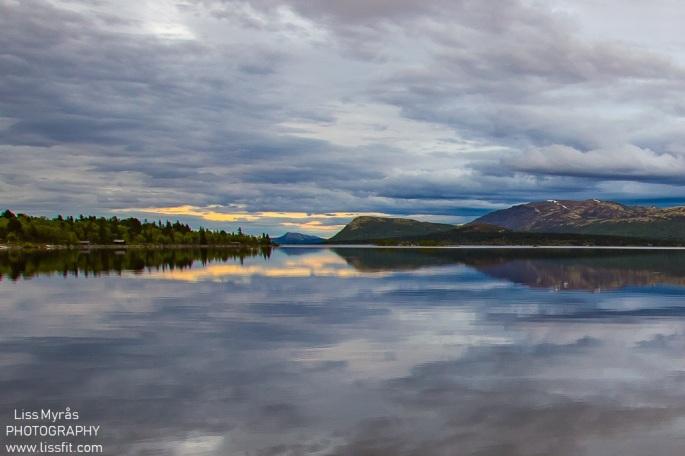 Rondane National Park Norway mountains lake Mysusaeter Furusjoen sunset landscape fjelltur