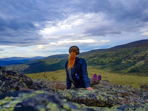 Mehøe mehoe Dovre Dovrefjell pilgrim hike hiking vandring mountains evening selfie Furuhauglie