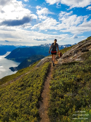 heggurdalen hegguraksla hike trail fjord valldal fjoraa nysetra panoramic landscape