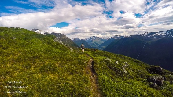 heggurdalen hegguraksla hike trail tafjord valldal fjoraa nysetra panoramic landscape