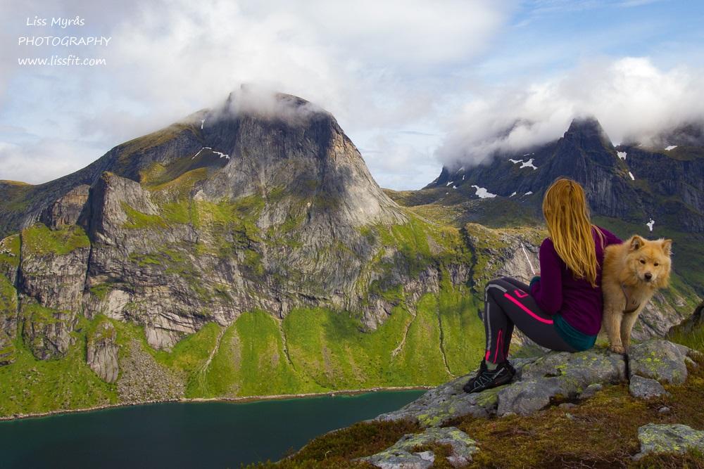 Helvetestind mountain ridge panoramic view Kirkefjord Reine