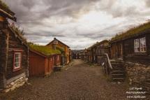 sleggveien roros by rorosmuseet village mining house river landscape norway trondelag røros norway