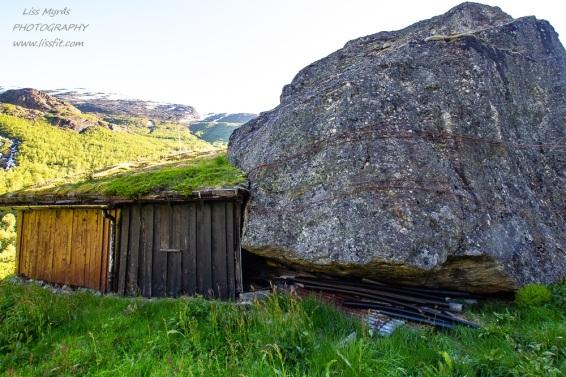 tafjordsetra trail muldalssetra muldalen stone block landscape hiking seter cabins easy hike