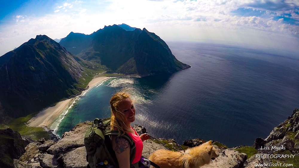 Ryten hiking kvalvika beach lofoten