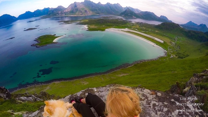 Yttersandheia Lofoten hike andscape photography ramberg volandstind view