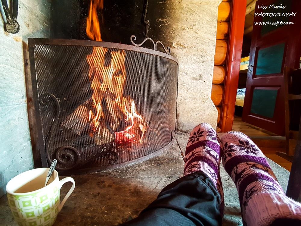 Mysusaeter seterhytte by the fire relax Norwegian socks mountain cabin