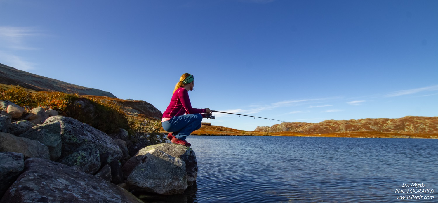 Fishing heddersvatn lake fisketur telemark tinn gaustatoppen friluftsliv norway outdoors
